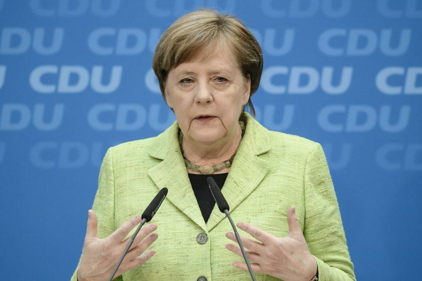 14. 03. || Na początku roku kanclerz Angela Merkel po raz czwarty stworzyła rząd. Powstał on w wyniku wyborów, które odbyły się we wrześniu 2017 roku. Rząd został stworzony przez  koalicję CDU/CSU z SPD.