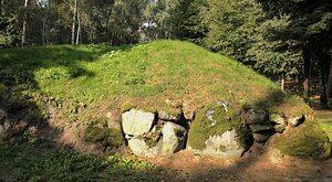 """""""Polskie piramidy"""" z Kujaw. Grobowce tysiąc lat starsze od egipskich"""